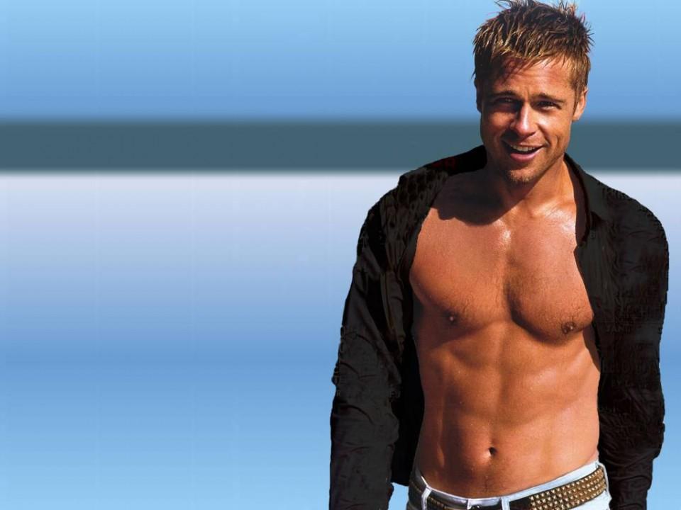Brad_Pitt_showing_his_body_1